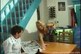 करिश्मा कपूर की सेक्सी वीडियो करिश्मा कपूर की सेक्सी वीडियो